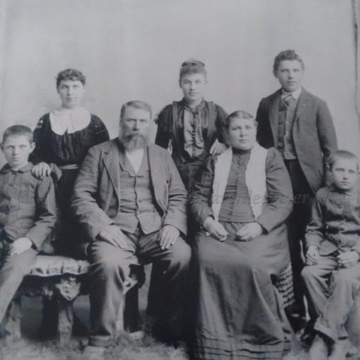 cropped-appel_johan-eliz-cath-and-children-except-leopold.jpg