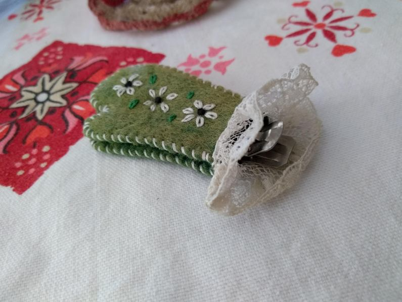heirlooms_bookmark from Agda Haggie_