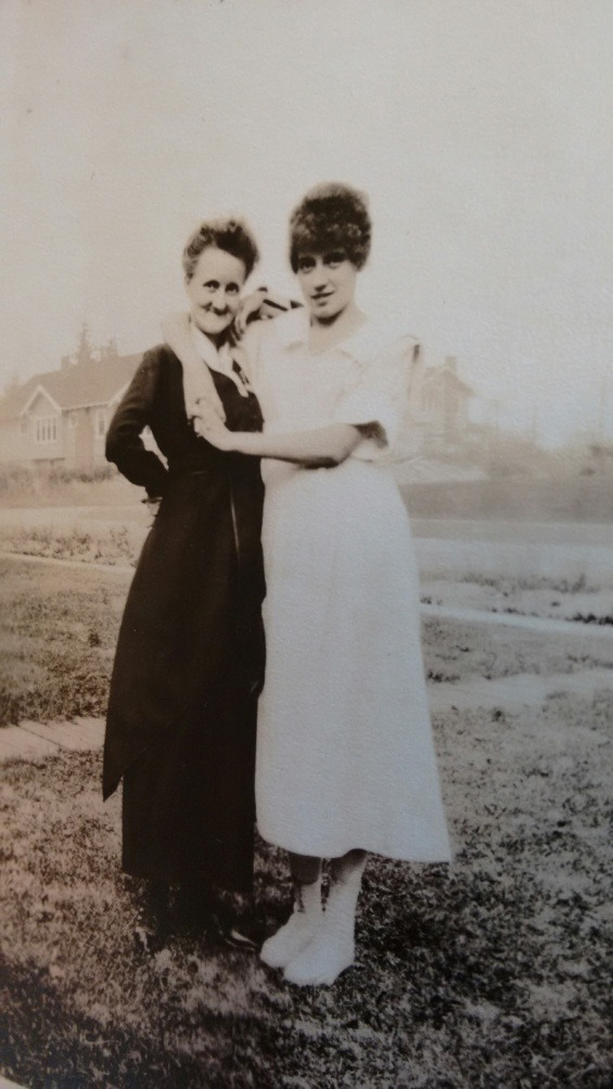 Orah and grandma, early 1920s